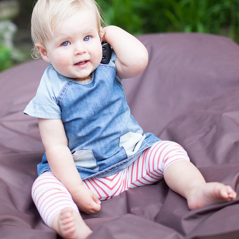 baby-on-phone