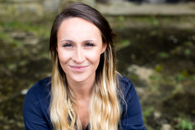 relaxed natural business headshot for women and mumpreneur