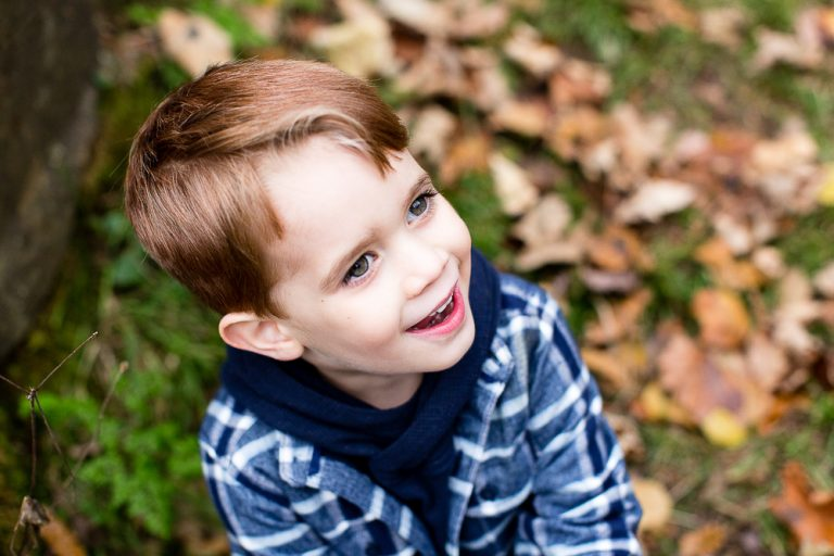 Natural relaxed childrens headshot in warwickshire