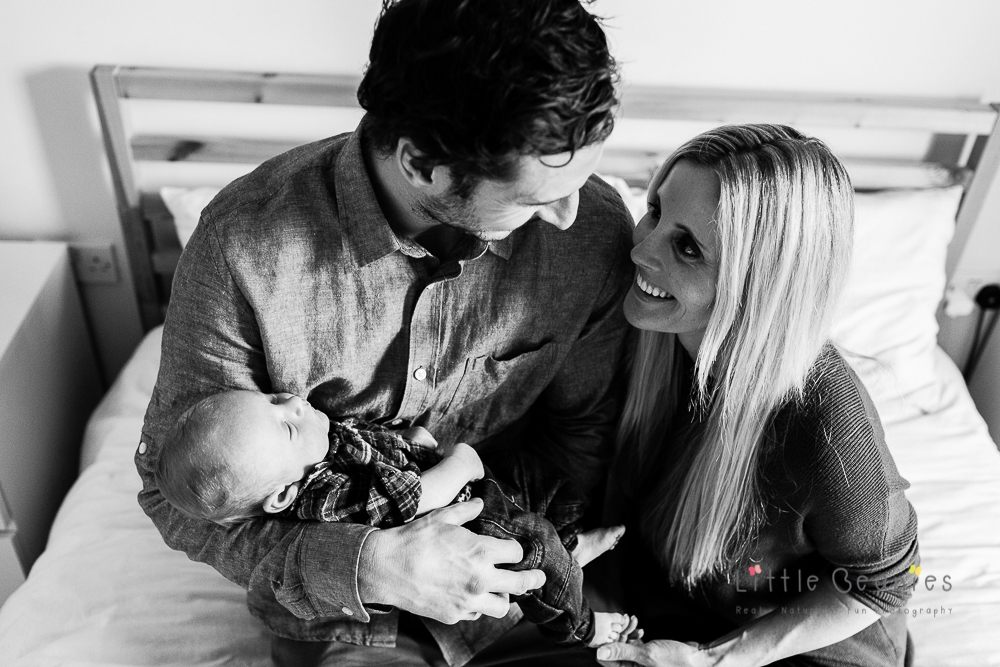 Photograohy of a newborn baby and family during a photo shoot with Coventry Newborn Photography specialist Lisa Jordan