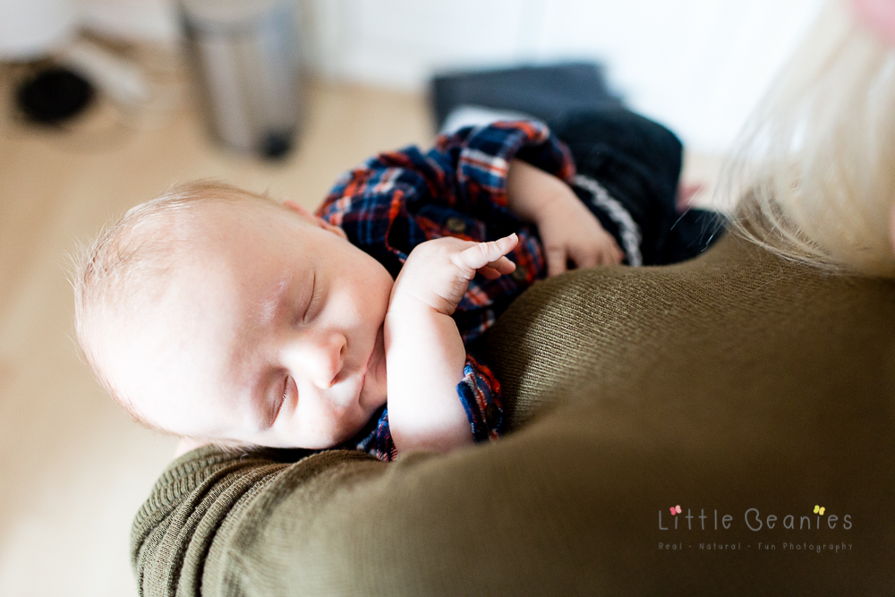 newborn baby photograph of 4 week old baby on a photoshoot with coventry newborn photographer
