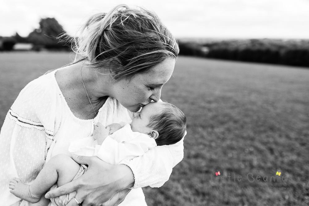 newborn photo shoot Kenilworth with baby Tianna